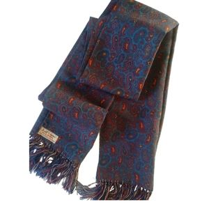🇨🇦 Wool scarf in paisley pattern